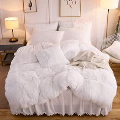 LIFEREVO Luxury Plush Shaggy Quilt Cover Faux Fur Quilt and 2 Pompoms Fringe Pillow Shams) Solid, Zipper Closure (King Light Beige) luxury bedroom Faux Fur Bedding, Fluffy Bedding, Room Ideas Bedroom, Bedroom Decor, Cozy Room, Luxury Duvet Covers, Luxury Bedding Sets, Bohemian Comforter Sets, My New Room