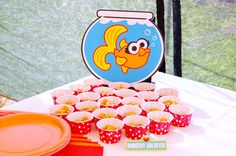 Dorothy snack The Slow Roasted Italian: Munchkin's Elmo Themed Birthday Party w/ Rubber Ducky Punch Girls Birthday Party Themes, Elmo Birthday, First Birthday Parties, First Birthdays, Birthday Ideas, Girl Birthday, Sesame Street Party, Sesame Street Birthday, Rubber Ducky Punch