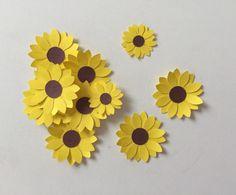 Lindos apliques no tamanho aproximado de 2cm, não é adesivo!    Fazemos da cor que vc deseja  Ideal para scrap e para colar em tubetes, forminhas, colherzinhas e lembrancinhas Sunflower Crafts, Sunflower Party, Diy Crafts For Kids, Easy Crafts, Birthday Gifts For Best Friend, Tissue Paper Flowers, Flower Tutorial, Bottle Crafts, Design Crafts