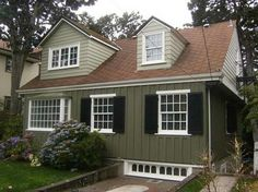 Exterior paint ideas with red/brown roof | Home Exteriors | Pinterest