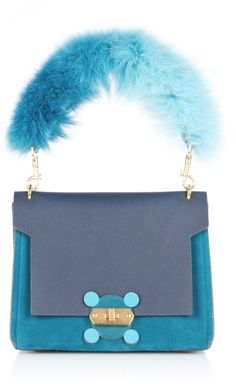 Shop Blue Bathurst X Bag with Fox Fur Handle. This **Anya Hindmarch** Bathurst bag is rendered in bull skin leather and features a top handle with a fox fur trim and a detachable shoulder strap. Design Bleu, Bag Design, Leather Handbags, Leather Bag, Anya Hindmarch Fashion, Fur Bag, Bags 2017, Diy Handbag, Fashion Bags