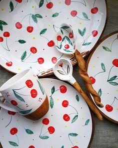 Ceramic Tableware, Ceramic Decor, Ceramic Art, Pottery Plates, Ceramic Pottery, Pottery Art, Pottery Painting, Ceramic Painting, Modern Decorative Plates