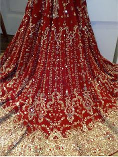 Stunning Lehenga with Zardozi Design. Zardosi work involves the use of gold thread and sequins, stones, glass, and beads. Zardosi embroidery design looks stunning on lehengas and sarees if done in gold, silver and colourful thread. Indian Bridal Wear, Pakistani Bridal, Bridal Lehenga, Bride Indian, Indian Weddings, Desi Wedding, Wedding Attire, Wedding Gowns, Wedding Blog