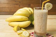 Almond Banana Fig Smoothie - Z Living Protein Shakes, Protein Blast, Protein Shake Recipes, Nutribullet Recipes, Smoothie Recipes, Swimmers Diet, Fig Smoothie, Milk Smoothies, Skinny Recipes
