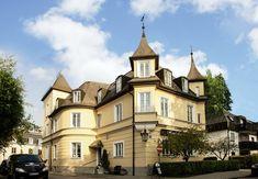 The best hotel in Munich - Hotel Laimer Hof! Plus tips and a bucket list of 10 things to do while in Munich Germany (Kid Friendly Travel) #travelmunich #munich #munichgermany #bucketlistformunich #munichtraveltips #munichbucketlist #munichthingstodo #munichbesthotel #munichnymphenbergpalace #munichchristmasmarkets #munichhotelliamerhof