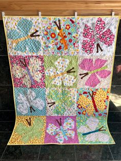 Professionally Quilted Spring Time floral 50 x 50 Lap or Baby Quilt