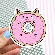 This cute donut cat will make anyone smile with how darn cute it is! Perfect to gift or stick just about anywhere! Printed on coated water resistant vinyl. Pop Stickers, Tumblr Stickers, Kawaii Stickers, Planner Stickers, Chat Donut, Donut Cat, Kawaii Drawings, Cute Drawings, Animal Drawings