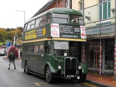 RT OLD 566 is seen having just arrived Chesham Broadway on the whilst taking part in the 2017 Amersham Running Day. Rt Bus, Routemaster, Running Day, Buses And Trains, Bus Coach, London Bus, London Transport, Bus Station, Vintage London