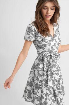 Rozkloszowana sukienka ze wzorem | ORSAY