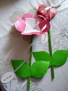 Idee Cadeau Fete Des Peres 2019 - Blume an Nachricht Kids Crafts, Diy And Crafts, Paper Crafts, Valentine Day Gifts, Valentines, Mothers Day Crafts, Spring Crafts, Flower Crafts, Diy For Kids