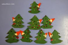 Askartelun iloa: Kuusen takaa kurkkiva tonttu Christmas Crafts, Christmas Tree, Christmas Ornaments, Christmas Things, Finding Yourself, Holiday Decor, Home Decor, Teal Christmas Tree, Decoration Home