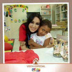 Hoje o GACC recebeu a visita especialíssima dessa artista linda e simpática Marina Elali. Ela distribuiu alegria na casa: tirou foto com todo mundo brincou com as crianças e trouxe presentes lindos para as mães. É uma honra tê-la como parceira Marina. Agradecemos imensamente pelo carinho!  #GACCRN #2016 #VisitaEspecial