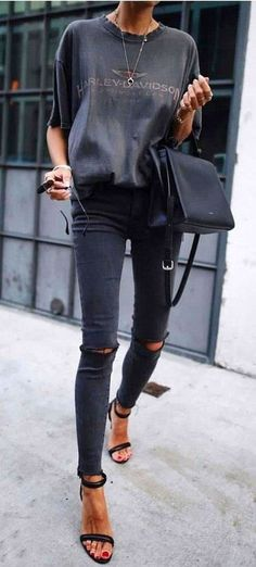 16 Trendy Autumn Street Style Outfits For 2018 - Brenda O.- 16 Trendy Autumn Street Style Outfits For 2018 – Brenda O. 16 Trendy Autumn Street Style Outfits For 2018 – - Street Style Outfits, Mode Outfits, Fashion Outfits, Dress Fashion, Fashion Ideas, Street Outfit, Jeans Fashion, Fashion Trends, Party Outfits