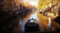 #amsterdam #iamsterdam #netherlands #holland #greektb #runvel #autumn #travel #travegram #travelblog #travelblogging #travelblogger #instatravel #instaamsterdam #traveller #eurotrip #europe #canal #river #aworld2discover #blog #bloggers #boattrip #boat by runvel_by_fylaktos
