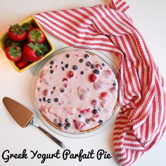Chobani Champions Greek Yogurt Parfait Pie Greek Yogurt Parfait, Chobani Greek Yogurt, Greek Yogurt Recipes, Cookie Desserts, Healthy Desserts, Healthy Eats, Healthy Foods, Healthy Recipes, Delicious Recipes