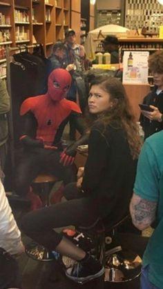 Spiderman Cast, Spiderman Movie, Marvel Avengers Movies, Marvel Jokes, Marvel Actors, Marvel Comics, Tom Holland Zendaya, Tom Holland Peter Parker, Super Secret