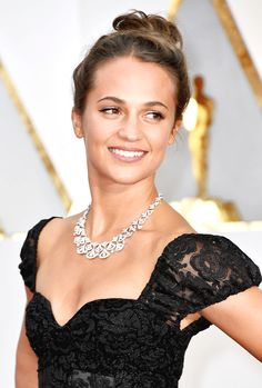 Alicia Vikander attends the 89th Annual Academy Awards at Hollywood & Highland Center on February 26, 2017 in Hollywood, California.