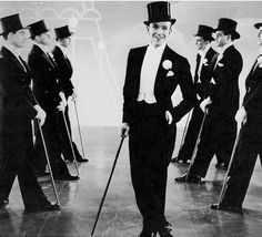 Fred Astaire in 'Top Hat', directed by Mark Sandrich Golden Age Of Hollywood, Vintage Hollywood, Hollywood Glamour, Classic Hollywood, Fred Astaire, Tap Dance, Just Dance, Top Hat 1935, Divas