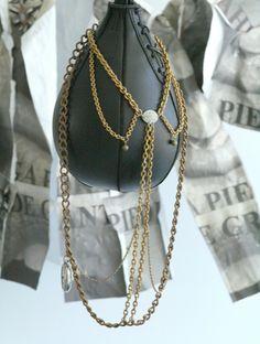 Display by Olga Piedrahita. Necklace by Bazz de grant
