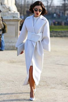 "sapphiree: """" Paris Fashion Week, Fall 2013 Photographed by Phil Oh (via Vogue Street Style) "" Beyond beautiful. Fashion Moda, Look Fashion, Paris Fashion, Autumn Fashion, Womens Fashion, Street Fashion, Street Chic, Fashion Details, Fashion Outfits"