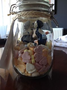 Leuk huwelijks cadeau!  Pot Ikea / beeldje big bazar