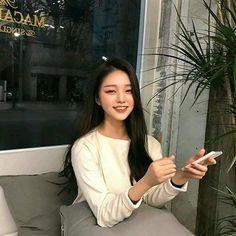 Boy or girl, pink girl, chico ulzzang, ulzzang boy, ulzzang korean girl Korean Beauty Girls, Pretty Korean Girls, Cute Korean Girl, Pretty Asian, Asian Beauty, Asian Girl, Mode Ulzzang, Ulzzang Korean Girl, Ulzzang Fashion