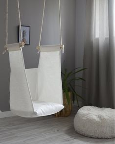 Herman Miller Aeron Chair Size B Funky Furniture, Recycled Furniture, Handmade Furniture, Hanging Hammock Chair, Swinging Chair, Chair Swing, Chaise Diy, Diy Hammock, Indoor Swing