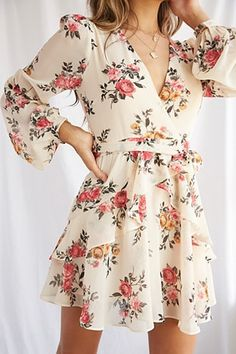 Product Name:Floral Print Mini Dress, Category:dress, Office Outfits Women Casual, Teen Fashion Outfits, Classy Outfits, Casual Dresses For Women, Clothes For Women, Forever 21 Outfits, Forever 21 Dresses, Cute Floral Dresses, Modest Dresses