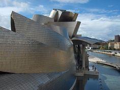Bilbao Guggenheim Museum. Frank Ghery architect.