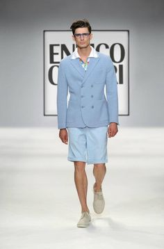 Spring/Summer 2013 - Enrico Coveri - We need more men wearing comfortable shorts in North America. Herve Leger, Summer Collection, Spring Outfits, Street Wear, Menswear, Spring Summer, Mens Fashion, Shorts, Formal