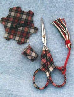 Tartan Plaid Scissors Set
