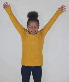 Denne genseren digger barna! Supermyk, god og varm og nesten garantert kløfri i tjukk merinoull. Rett og slett en YES!-genser. Digital oppskrift (PDF) kjøpes på www.mamaedesign.no Yes, E Design, Threading