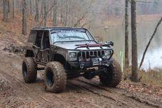 Jeepys: Off-roading Jeep Cherokee XJ