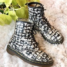 insanely ✨rare✨ vintage Andy Warhol Dr Martens boots 309acceb7