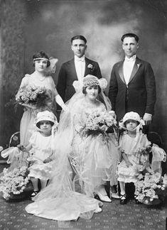 vintage wedding photo of Maria and Frank Fratteroli
