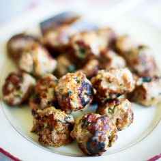 Use the leftover sausagement stuffing from Christmas Day for this sausage stuffing ball recipe. Christmas Nibbles, Christmas Party Food, Christmas Lunch, Xmas Food, Christmas Cooking, Tacky Christmas, Christmas Recipes, Meat Recipes, Appetizer Recipes