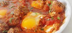 En cette période de ramadan, laissez moi vous proposer une recette venue tout droit du Maroc, les boulettes à la kefta. Elles se cuisinent très simplement et accompagnées d'une sauce tomate que dire de plus que cela ne peut être qu'un régal ! Ingrédients 1 kg de viande hachée de bœuf (ou d'agneau) 2 oignons …