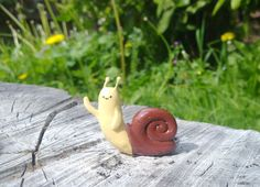 Polymer Clay : Adventure Time Waving snail by CraftCandies on DeviantArt Cute Polymer Clay, Cute Clay, Polymer Clay Miniatures, Polymer Clay Charms, Diy Clay, Clay Crafts, Clay Art Projects, Clay Creations, Pottery Art