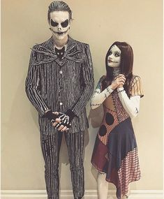 Love these two as Jack and Sally Lieben Sie diese zwei als Jack und Sally The post Lieben Sie diese zwei als Jack und Sally & Make appeared first on Halloween costumes . Disney Couple Costumes, Cute Couple Halloween Costumes, Halloween Cosplay, Diy Costumes, Cosplay Costumes, Tim Burton Halloween Costumes, Couple Costume Ideas, Cute Couples Costumes, Woman Costumes