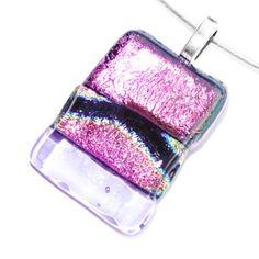 Roze met lila glashanger. Exclusieve glazen hanger gemaakt voor aan een ketting.