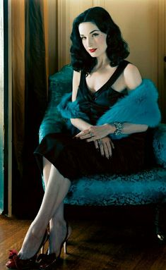 From L'Oréal True Match foundation to Maybelline Red Revival lipstick, Dita Von Teese shares 10 drugstore beauty finds to help you channel your inner bombshell. Dita Von Teese Burlesque, Dita Von Teese Style, Dita Von Teese Makeup, Dita Von Teese Lingerie, Burlesque Vintage, Dita Von Tease, Fashion Mode, Old Hollywood Glamour, Mode Vintage