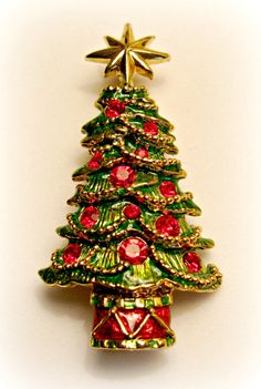 Vintage Christmas Tree Pin Pendant by by ToadSuckTreasures on Etsy