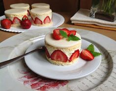 Chocolate Dome, Czech Recipes, Mini Cheesecakes, Muffin, Mini Cakes, Cake Cookies, Baked Goods, Pavlova, Sweet Treats