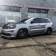 Finally, the one that looks good lowered! Mopar Jeep, Jeep Srt8, Jeep Dodge, Jeep Truck, 2006 Jeep Grand Cherokee, Jeep Accessories, Luxury Suv, Jeep Wrangler Unlimited, Exotic Cars