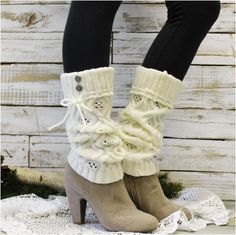 Very popular cream diamond knit cuff leg warmer that looks great with all boot styles, from cowboy boots to tall knee boots. These knit leg warmers have a fold over cuff, with a self drawstring tie an