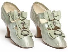 Pair of shoes, Hellstern & Sons, Paris, 1900-1910  Satin, embroidered with glass beads