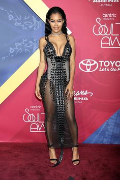 Teyana Taylor in Blonds NY #teyanataylor #blondsny #fashion #style #soultrainmusicawards #redcarpet #noiravenue #fashionblogger #styleblogger #stylish #women of color