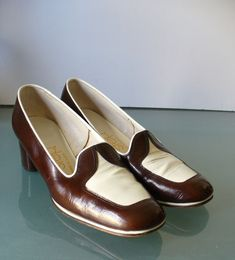 Vintage Air Step Spectator Pumps Size 5.5 US by TheOldBagOnline on Etsy