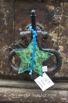 MA BONNE ETOILE vert et turquoise / étoile en tissu à accrocher via Etsy