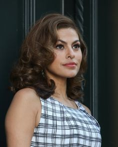 Eva Mendes Teaches Us the New Way to Apply Blush:  As someone who gets #glammed by professionals often, #EvaMendes is no newbie in the #makeup department. The actress and new mom has picked up a few timeless #makeuptips to use on herself at home — hacks we obviously want to steal.  #makeup #EvaMendes #EvaMendesMakeUpTips #makeuptips #skinandmakeup #eyeliners #makeupbrush  Source: http://www.popsugar.com/beauty/Eva-Mendes-Makeup-Tips-37115136#photo-37115136